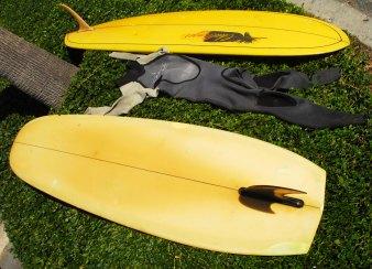 V bottom surfboards in Swamis parking lot
